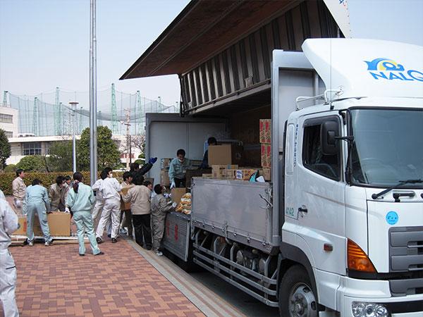 東日本大震災における緊急支援の様子4